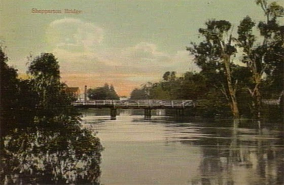 Goulburn River in Flood - Fryers Street Bridge - 1900