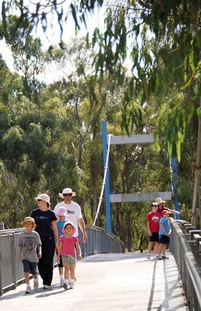 Goulburn River pedestrian bridge - St George's Rd Reach